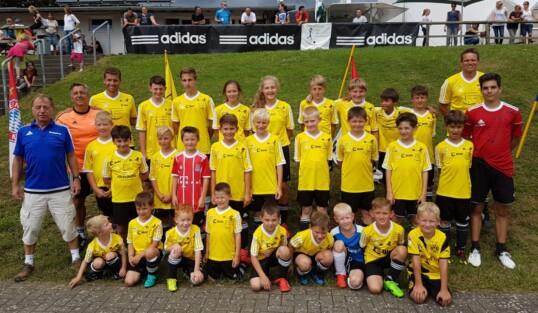 Fußballschule zu Gast in der Grafschaft